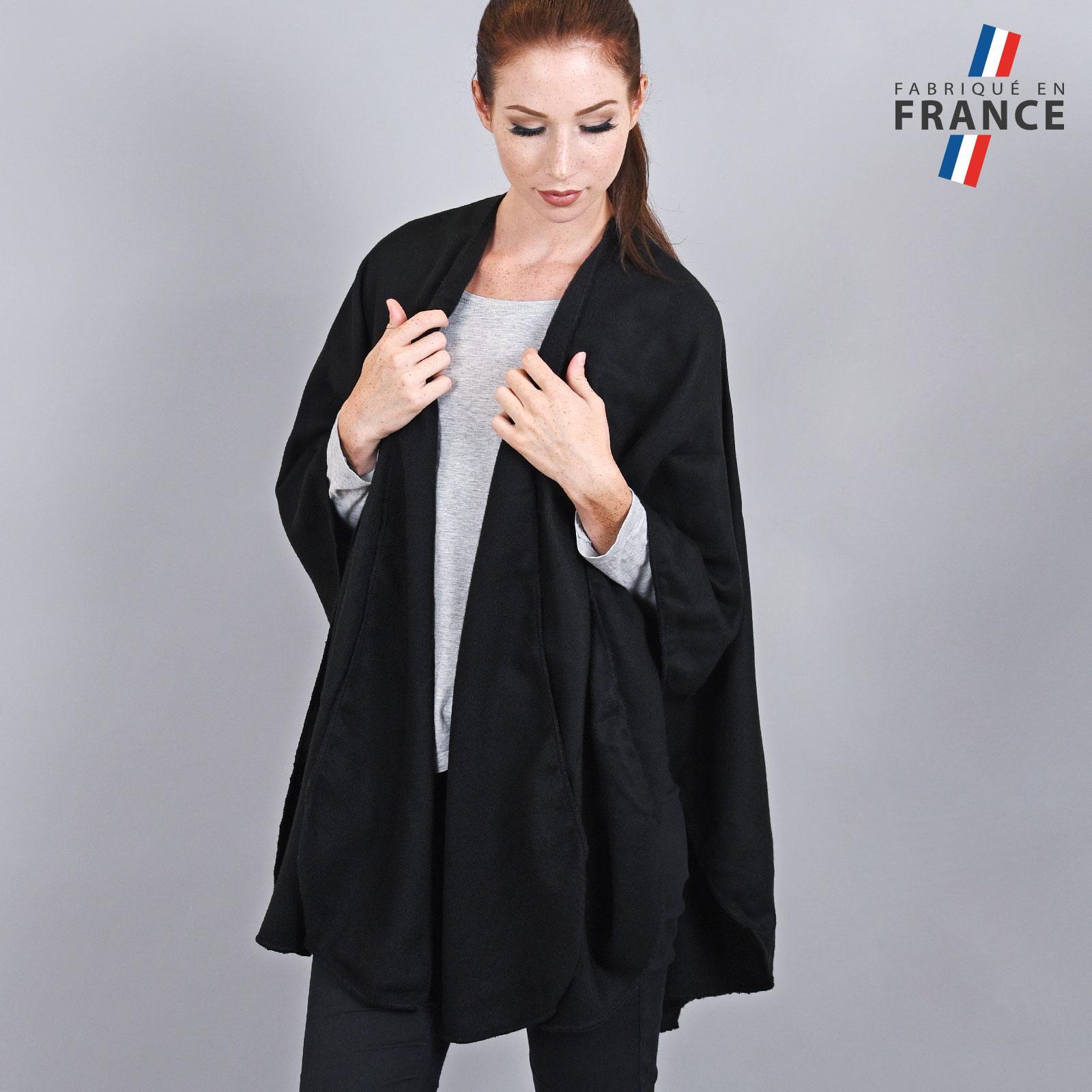 AT-03262-VF16-LB_FR-poncho-rond-fabrique-en-france-noir