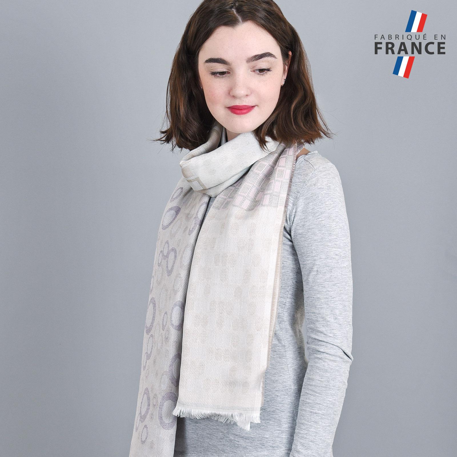 AT-04281-VF16-LB_FR-echarpe-femme-gris-argent-qualicoq-motifs-geometriques