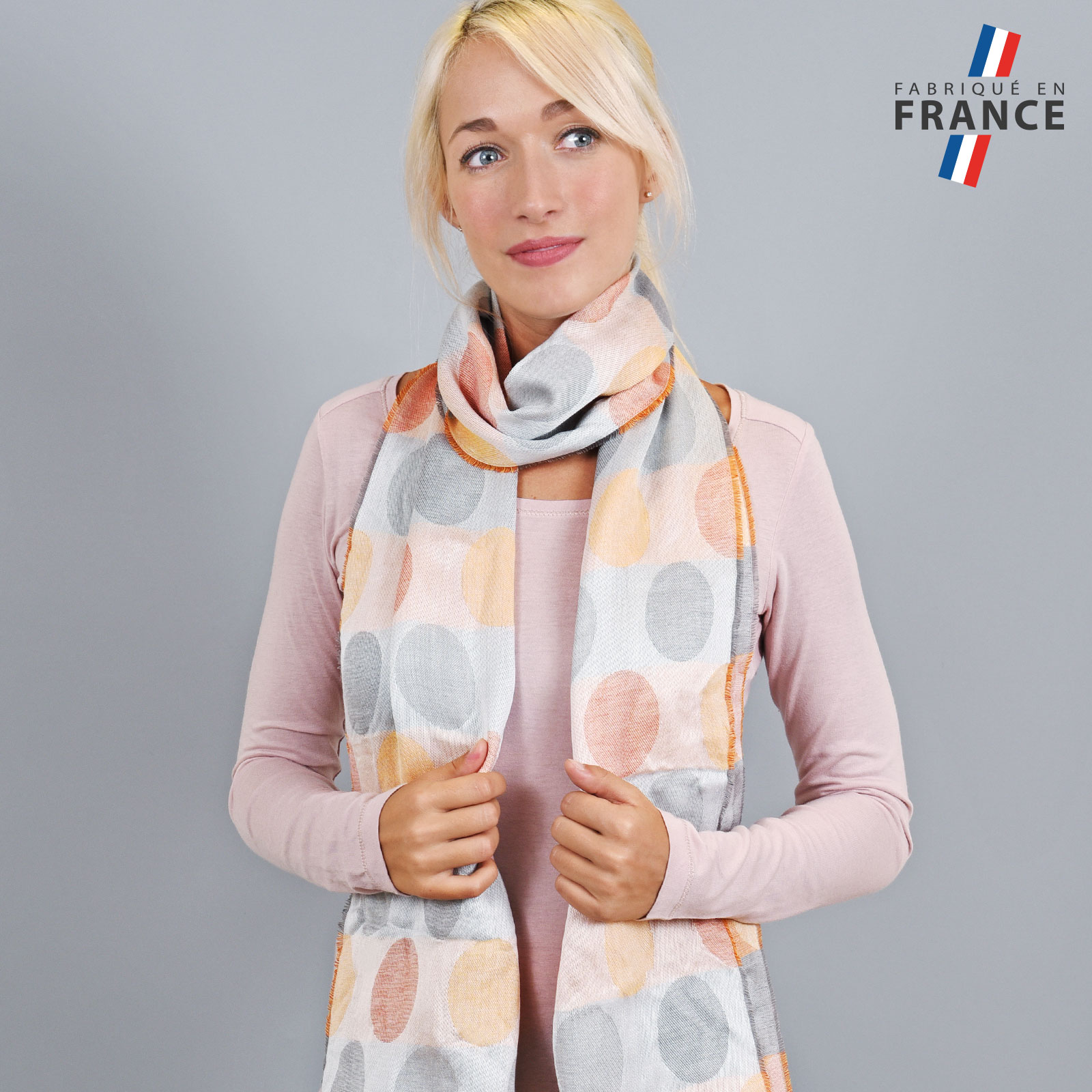 AT-04286-VF16-LB_FR-echarpe-legere-bulles-gris-orange-fabrique-en-france