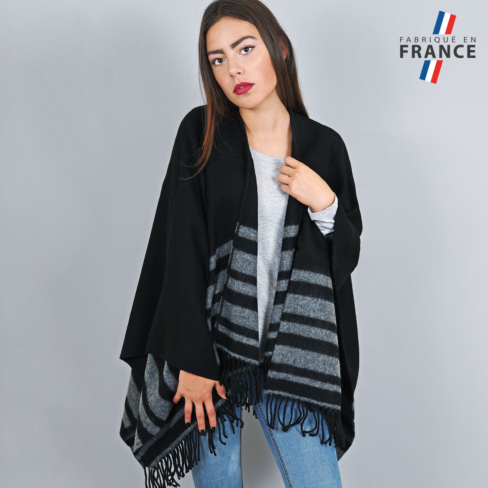 AT-03210-VF16-1-LB_FR-poncho-franges-a-rayures-noir-gris