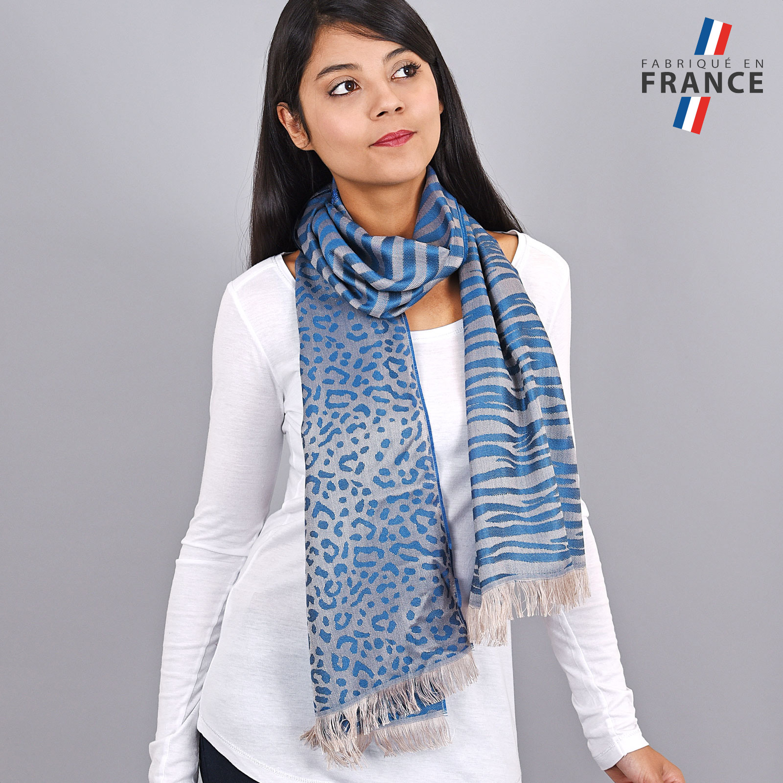 AT-04255-VF16-LB_FR-echarpe-legere-tigre-paillettes-bleu