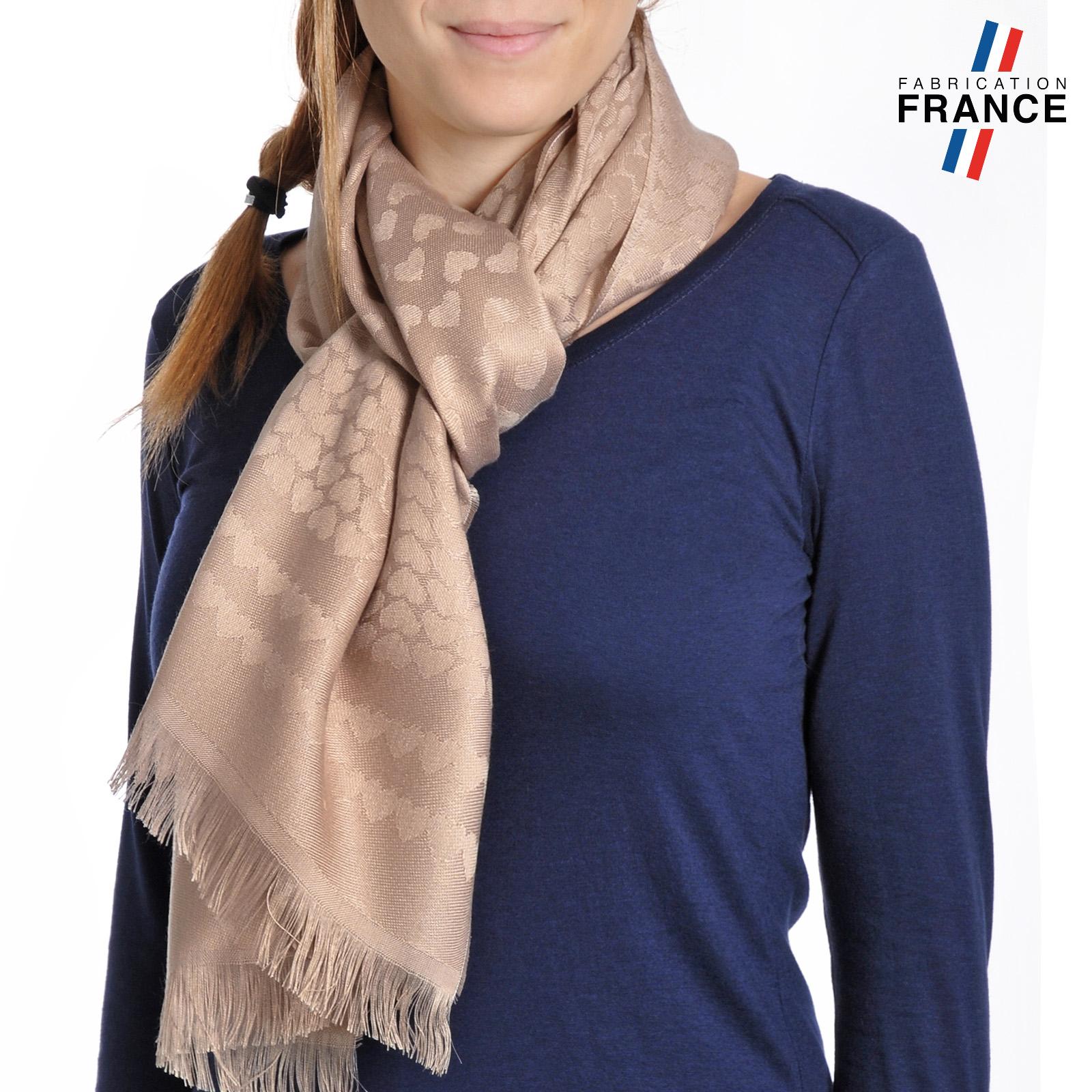 AT-04268-VF16-T-LB_FR-echarpe-legere-beige-qualicoq-motifs-coeurs-beige