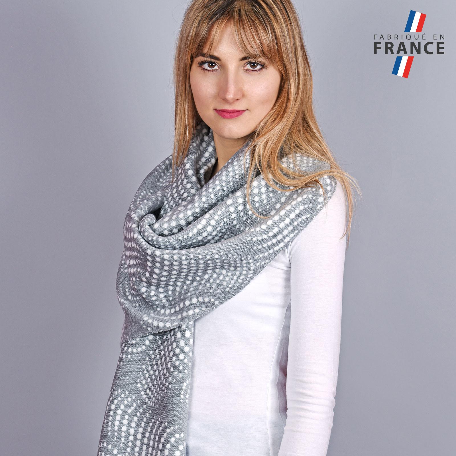 AT-03951-VF16-1-LB_FR-chale-femme-pois-gris