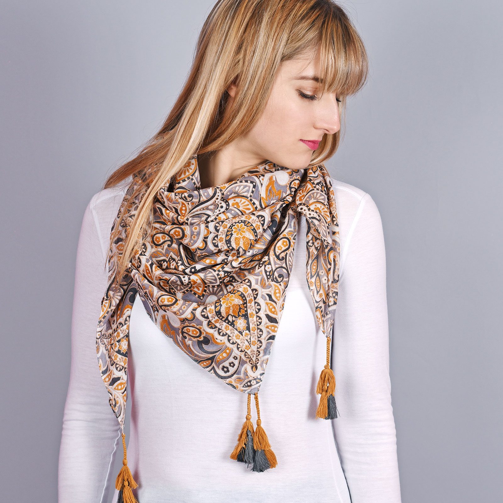 AT-04314-VF16-1-foulard-femme-cachemire-moutarde