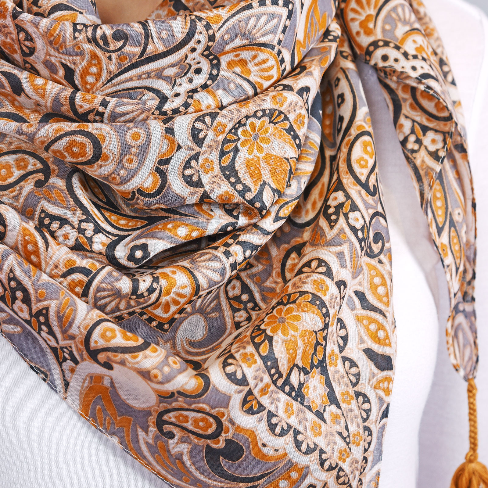 AT-04314-VF16-3-foulard-fantaisie-cachemire-moutarde