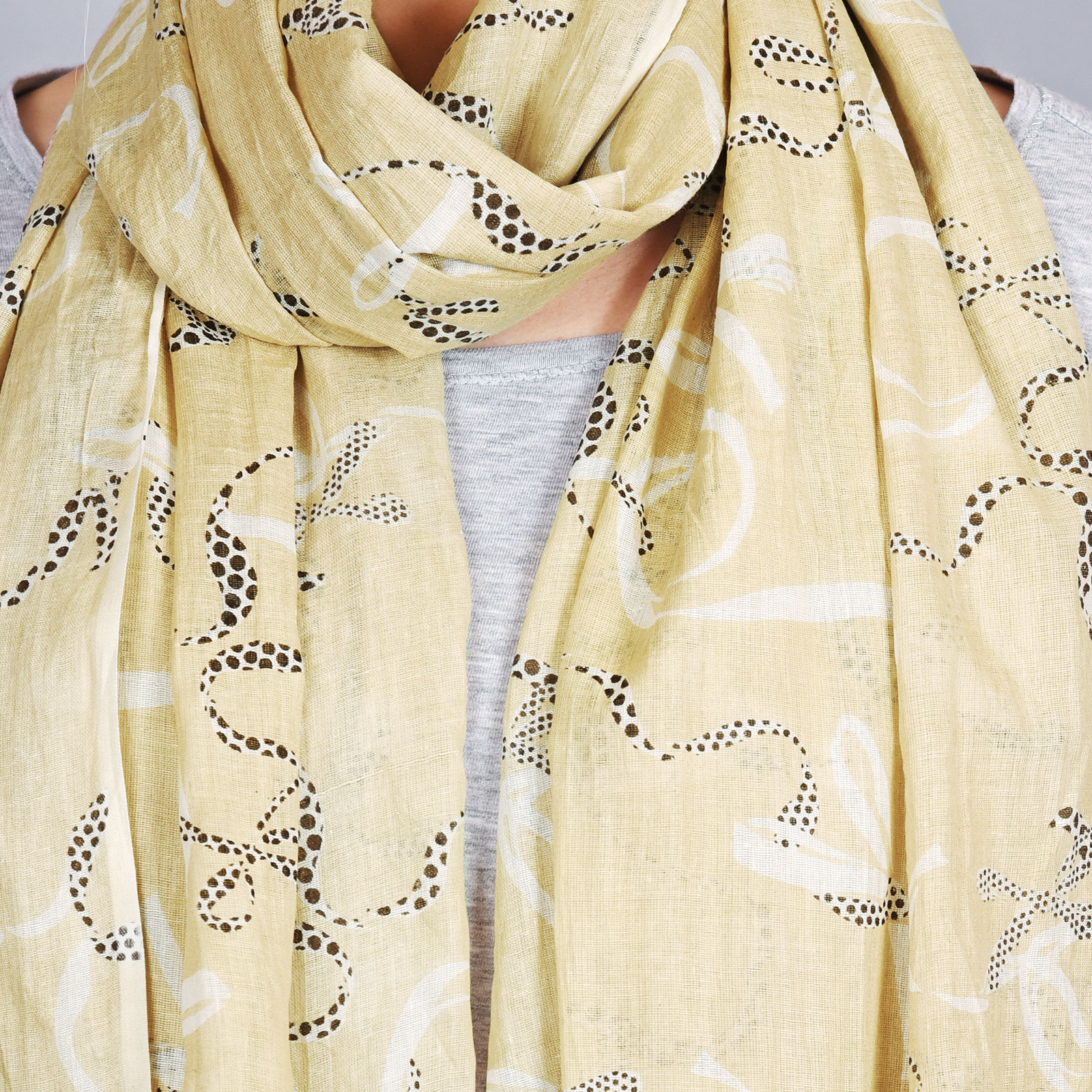 AT-04316-VF16-2-cheche-beige-motifs-naifs