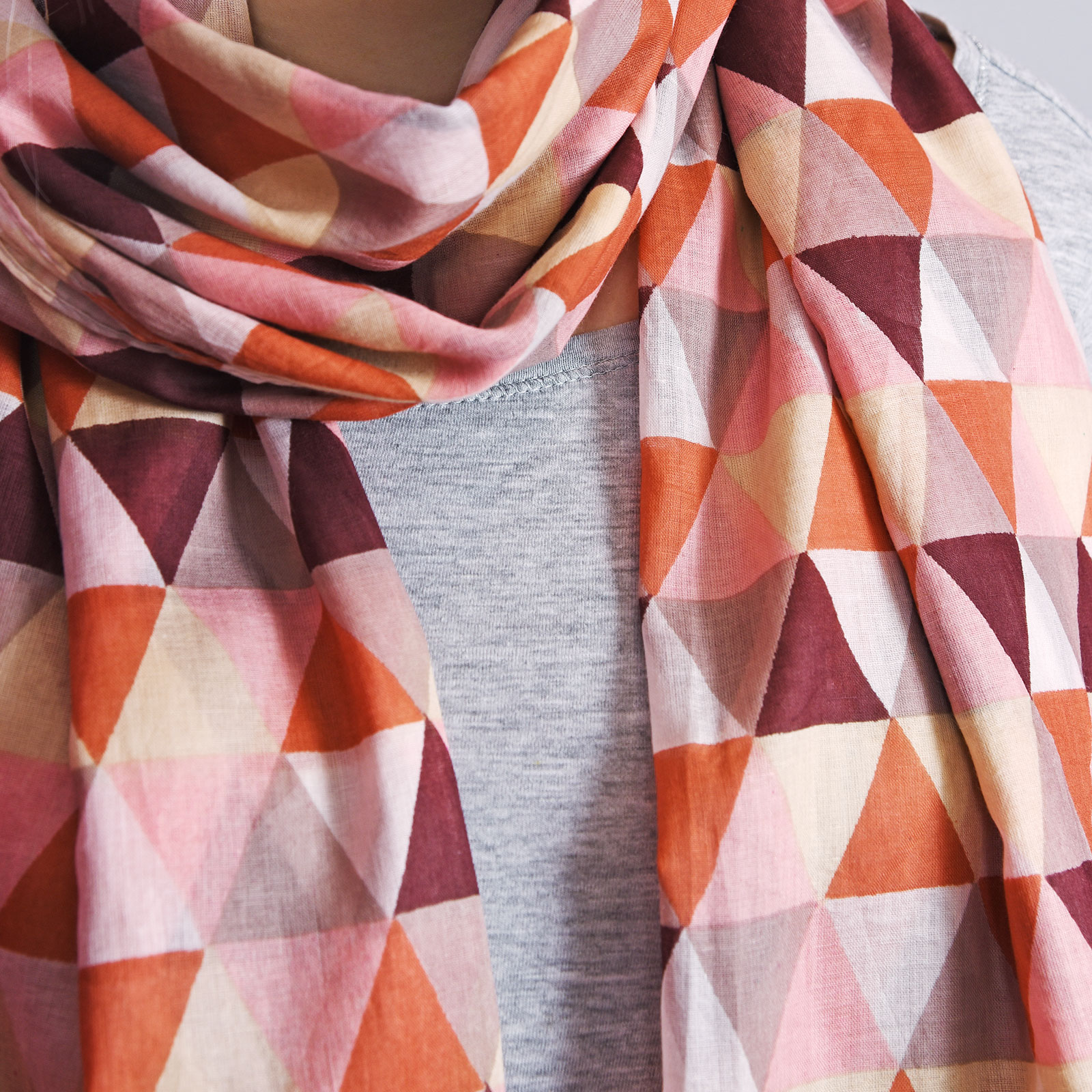 AT-04331-VF16-3-cheche-orange-triangles-imprimes
