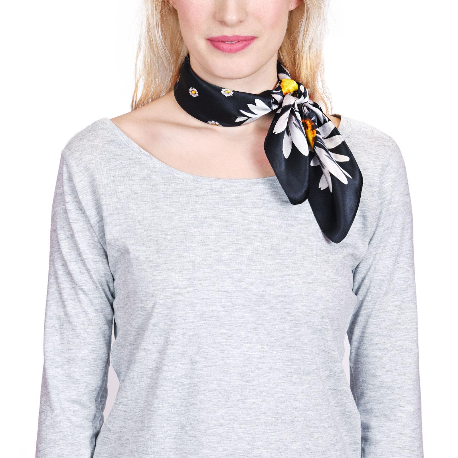 AT-04432-VF16-P-foulard-soie-marguerites-noir