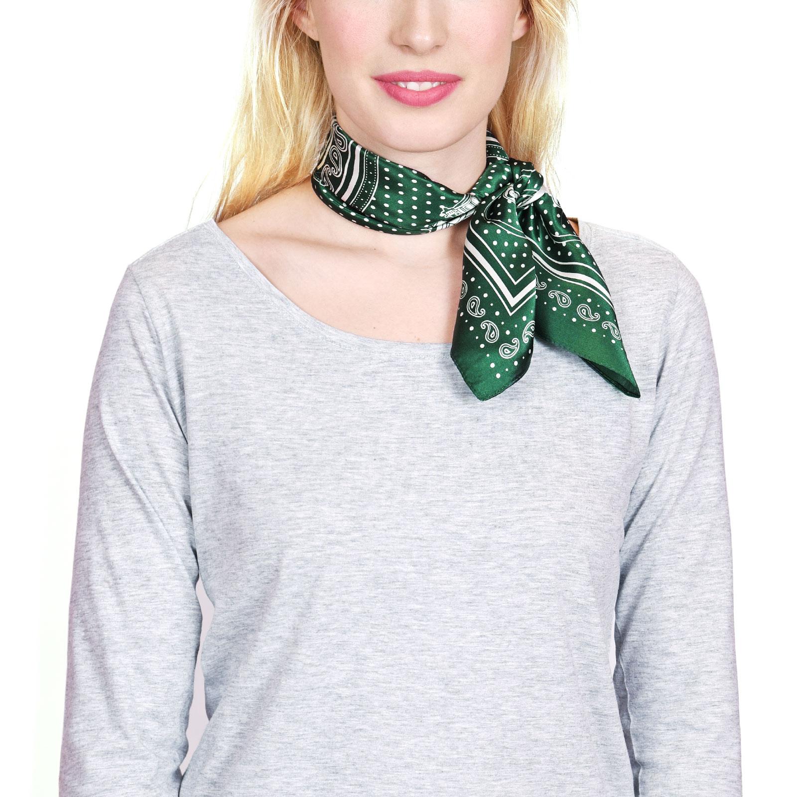 AT-04433-VF16-P-foulard-carre-soie-vert-automobiles