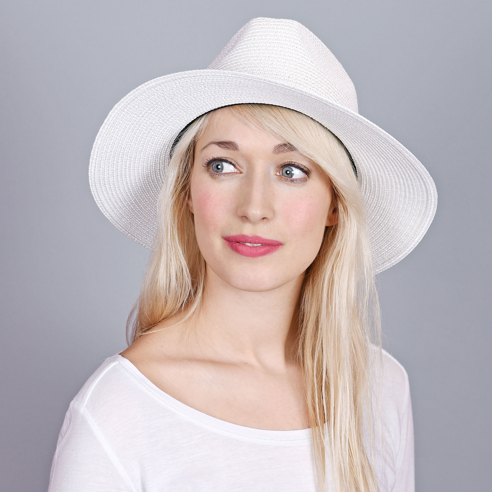 CP-00898-VF16-1-chapeau-femme-blanc-larges-bords