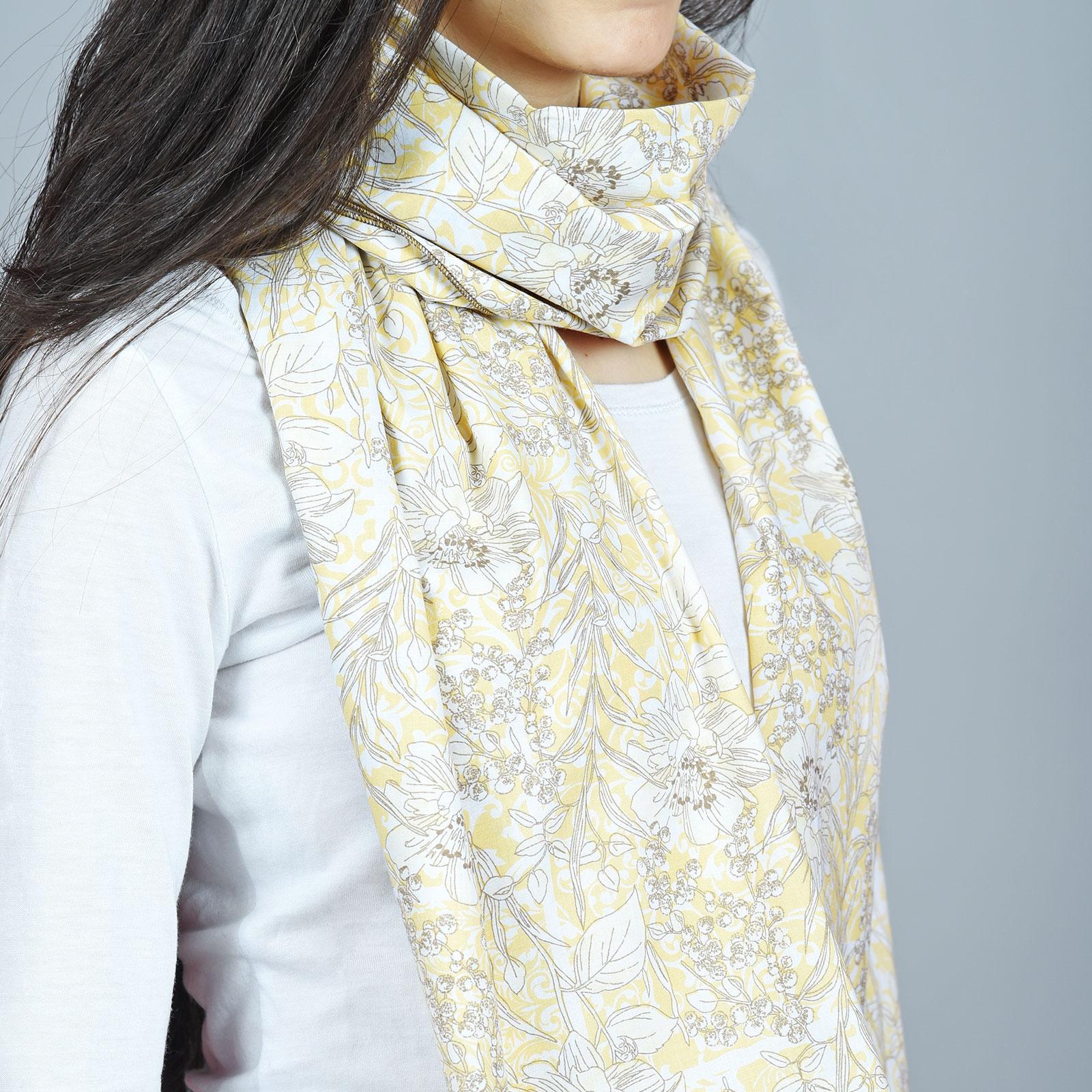 Echarpe légère jaune, motifs floraux Laguna - Made in Europe 5f0406a15b6