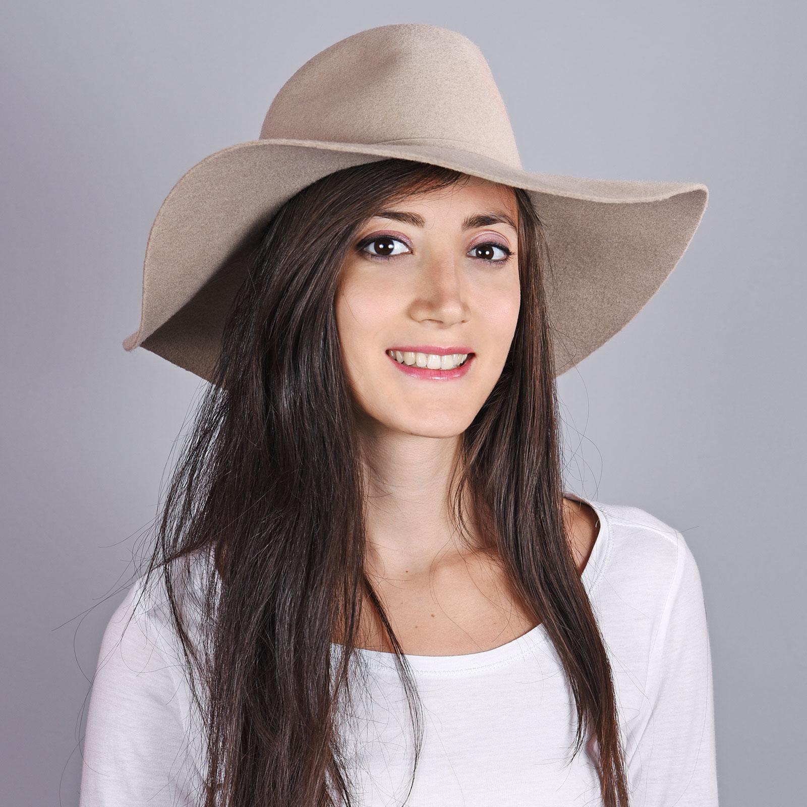CP-01020-VF16-1-chapeau-femme-hiver-beige