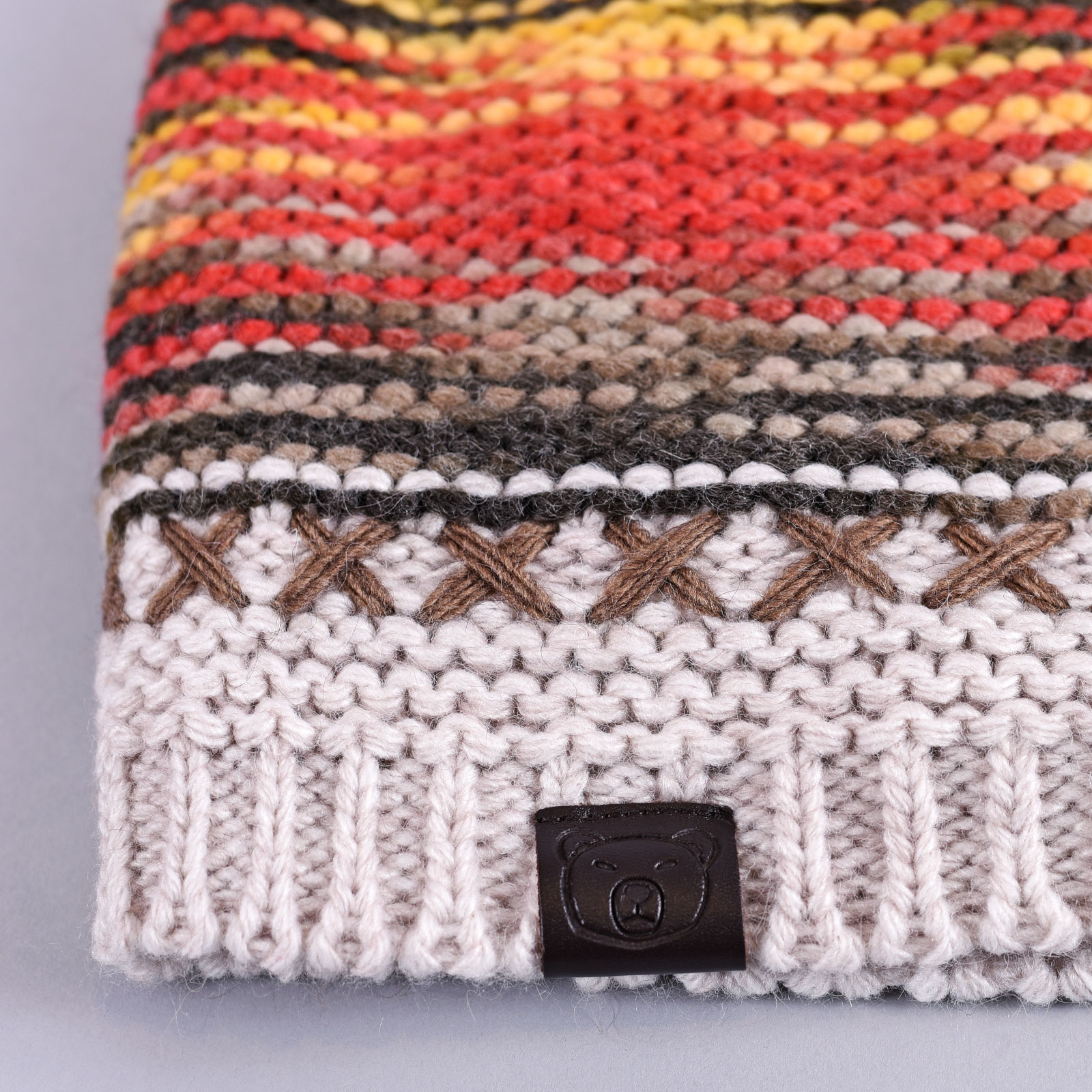 CP-01035-D16-1-bonnet-blanc-multicolore