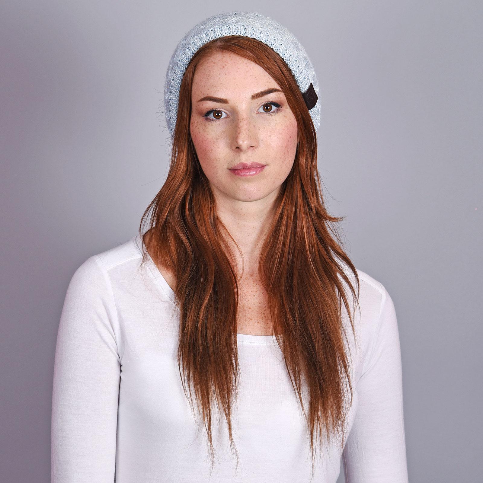 CP-01031-VF16-2-bonnet-bleu-ciel-uni