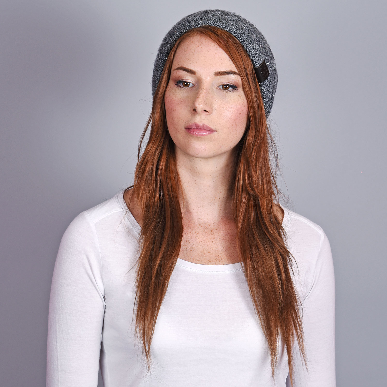 CP-01032-VF16-2-bonnet-femme-mode-gris-anthracite