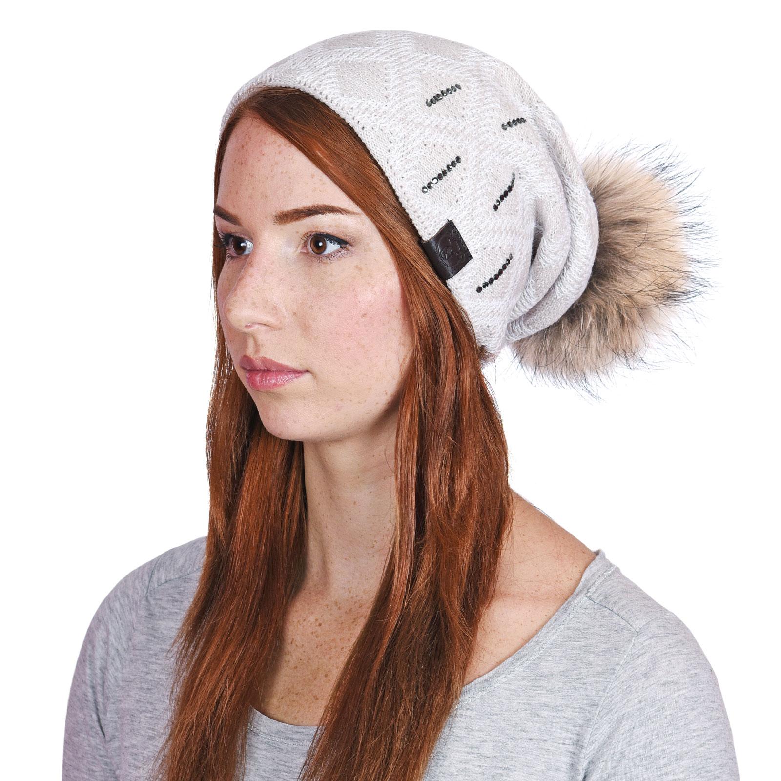 CP-01046-VF16-P-bonnet-femme-losanges-beige-et-blanc