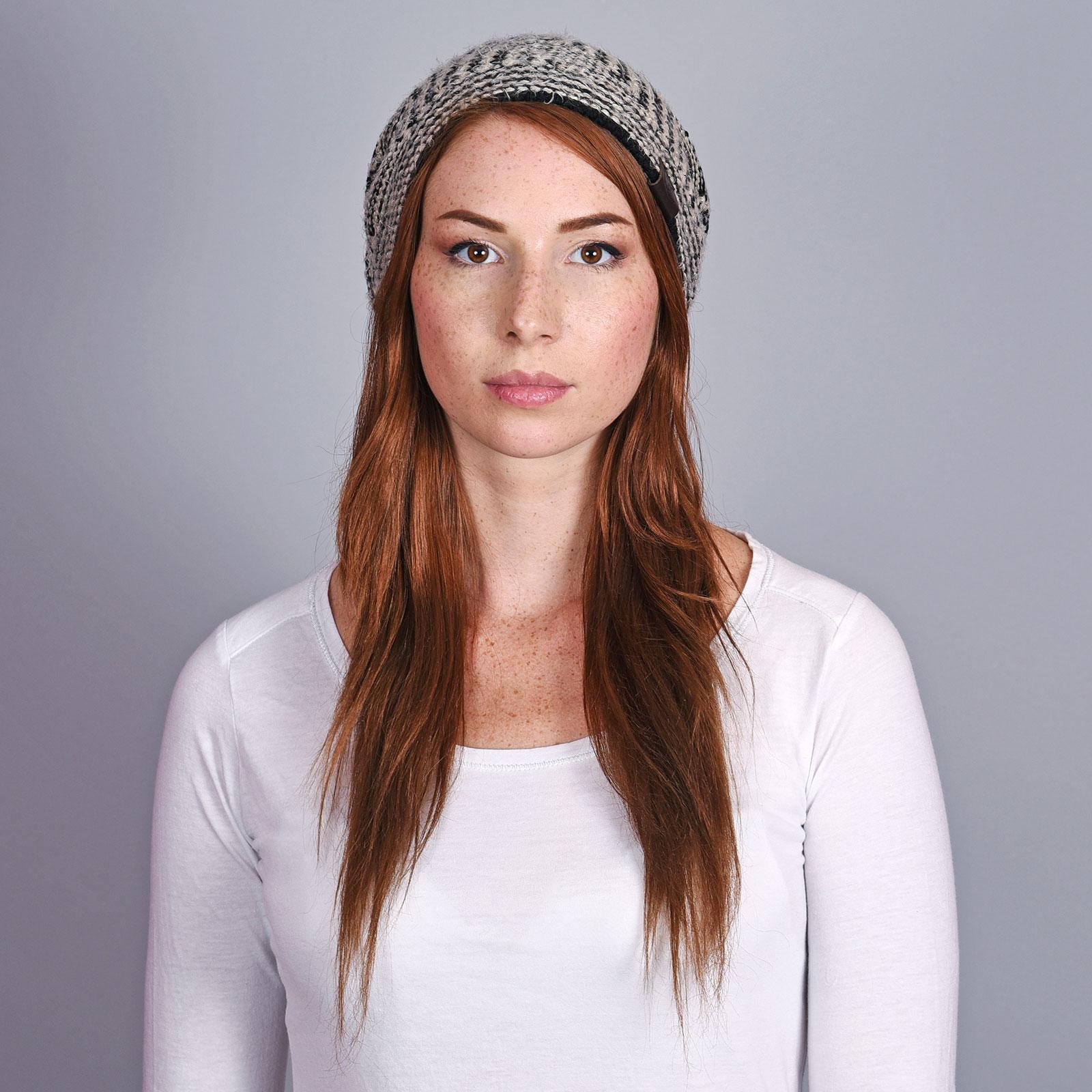 CP-01048-VF16-2-bonnet-long-femme-noir-beige
