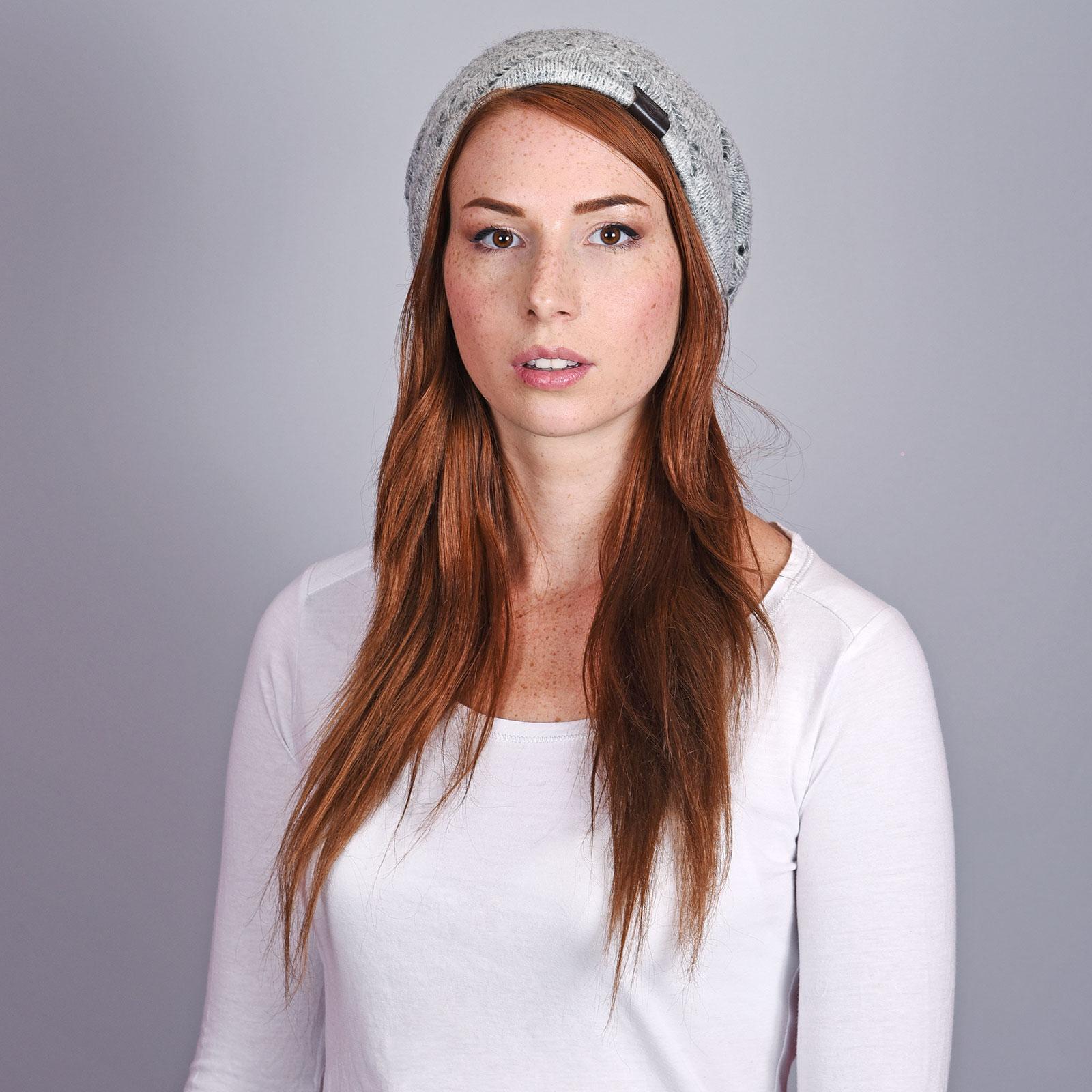 CP-01059-VF16-2-bonnet-femme-hiver-gris-uni