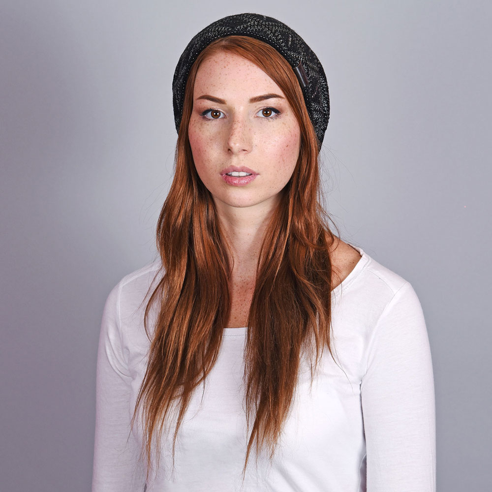 CP-01044-VF10-2-bonnet-long-noir-bijoux-strass