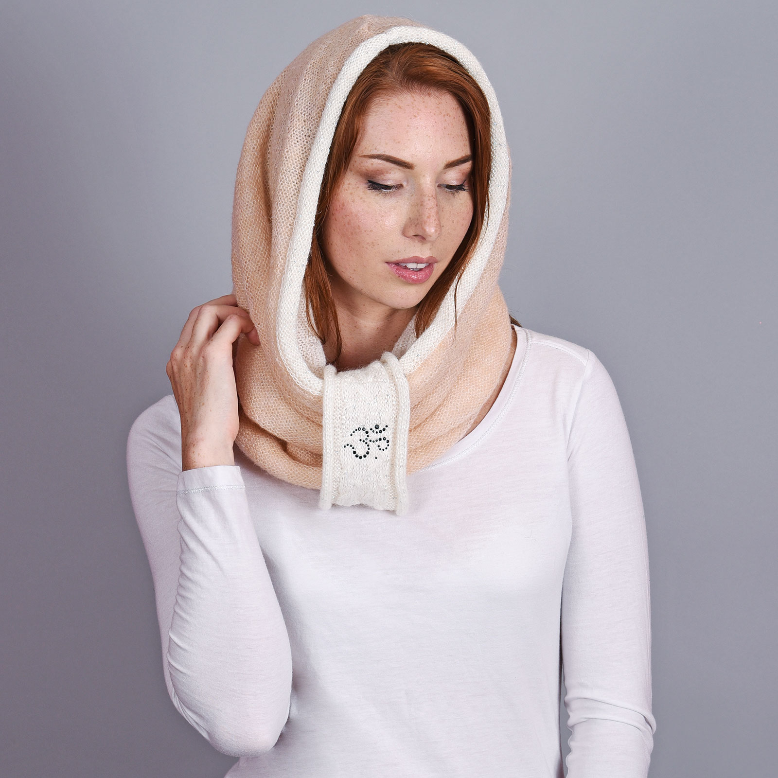 AT-04543-VF16-1-snood-capuche-rose-saumon