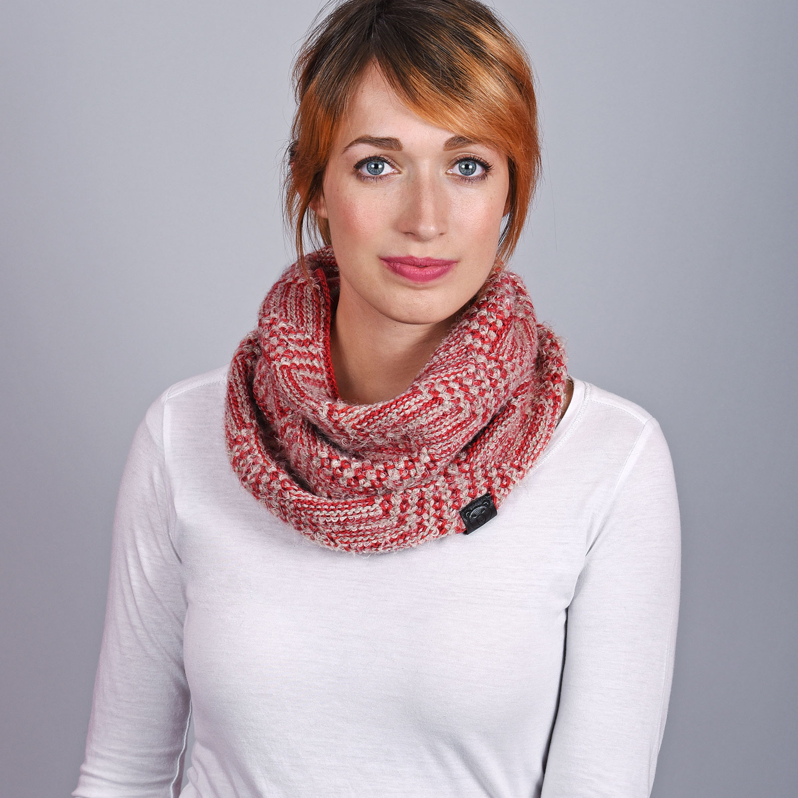 AT-04550-VF16-1-echarpe-snood-femme-rouge
