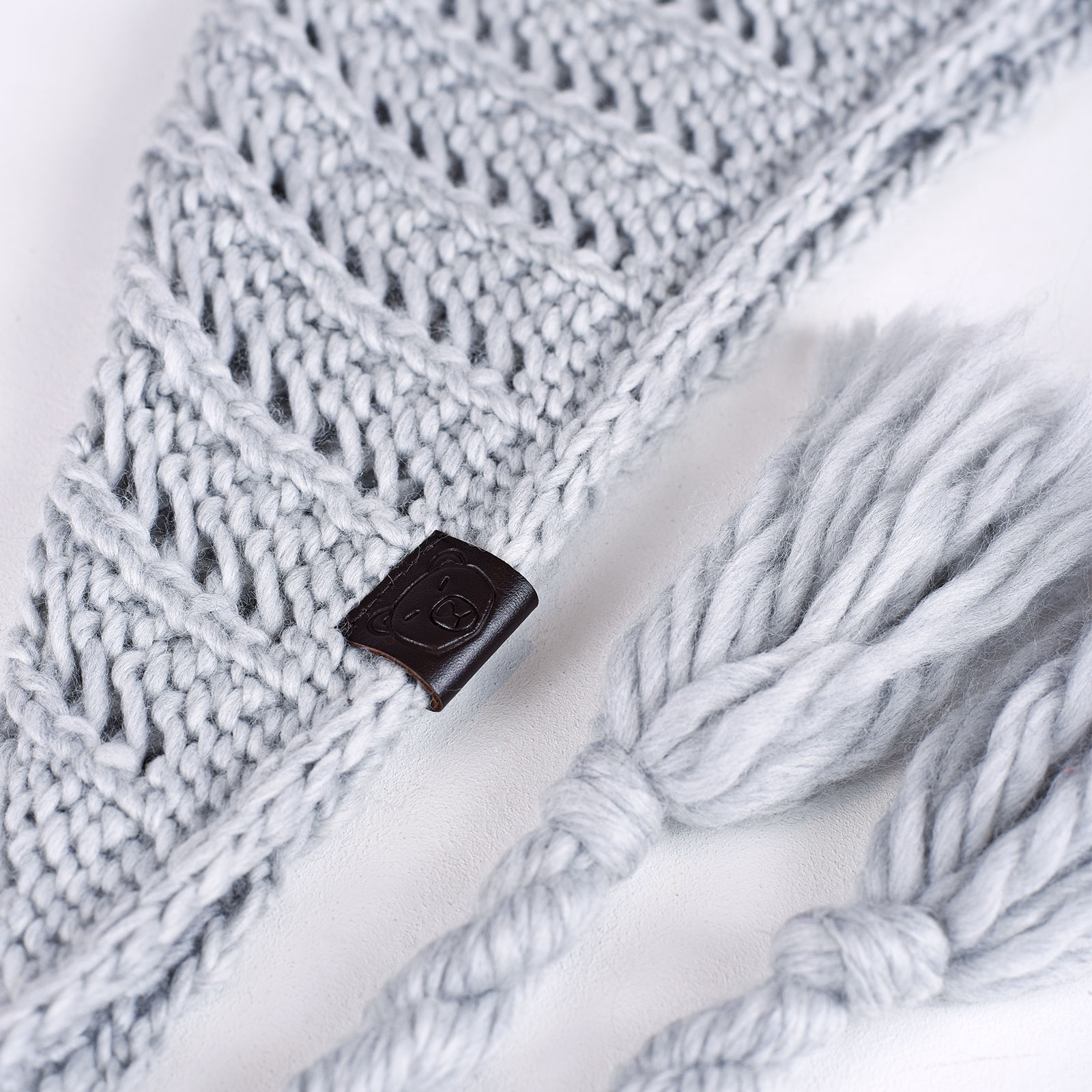 AT-04552-D16-echarpe-laine-frange-grise