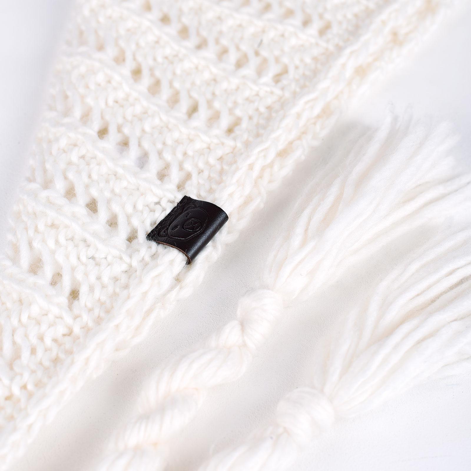 AT-04554-D16-echarpe-femme-nattes-blanche