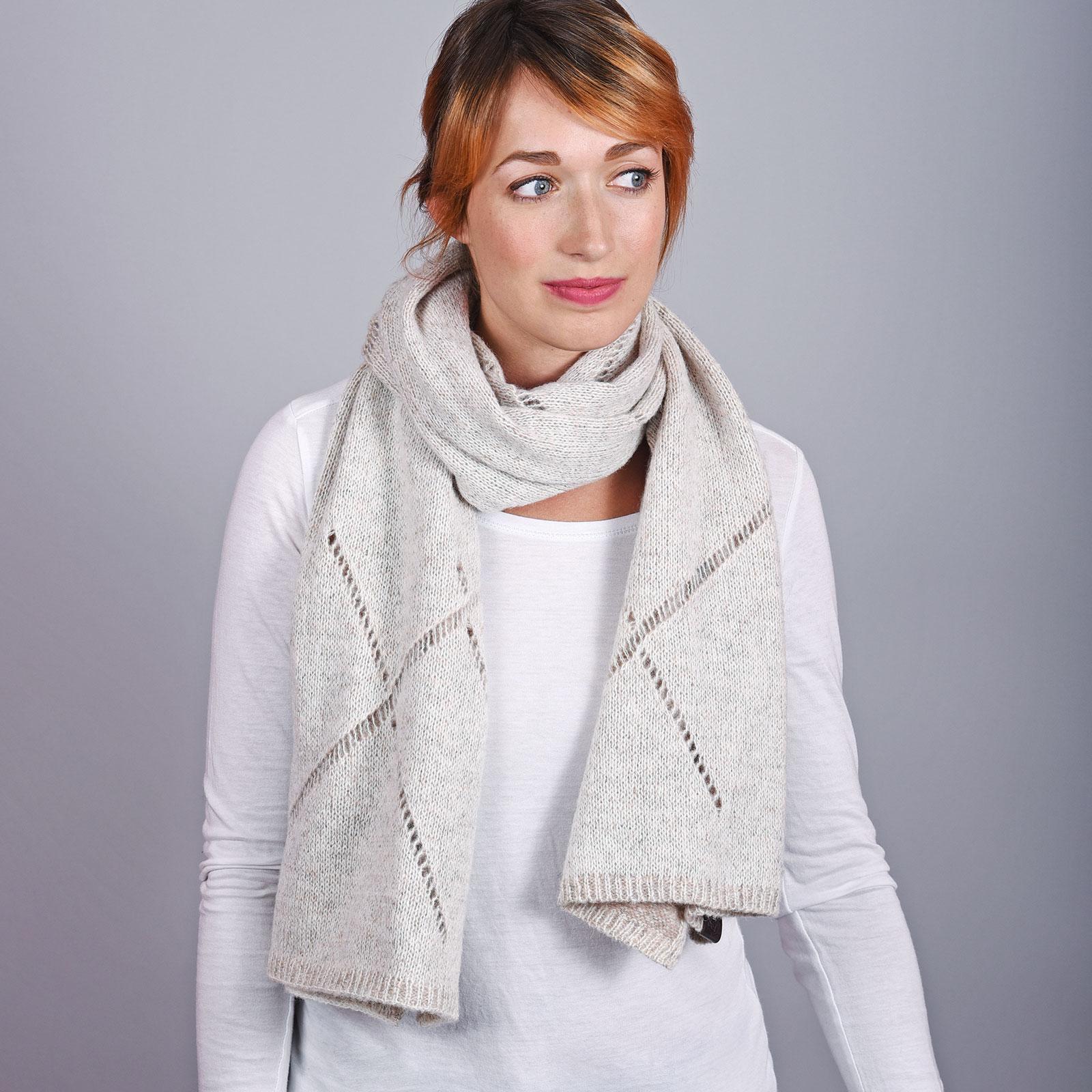AT-04560-VF16-1-echarpe-femme-crochet-beige