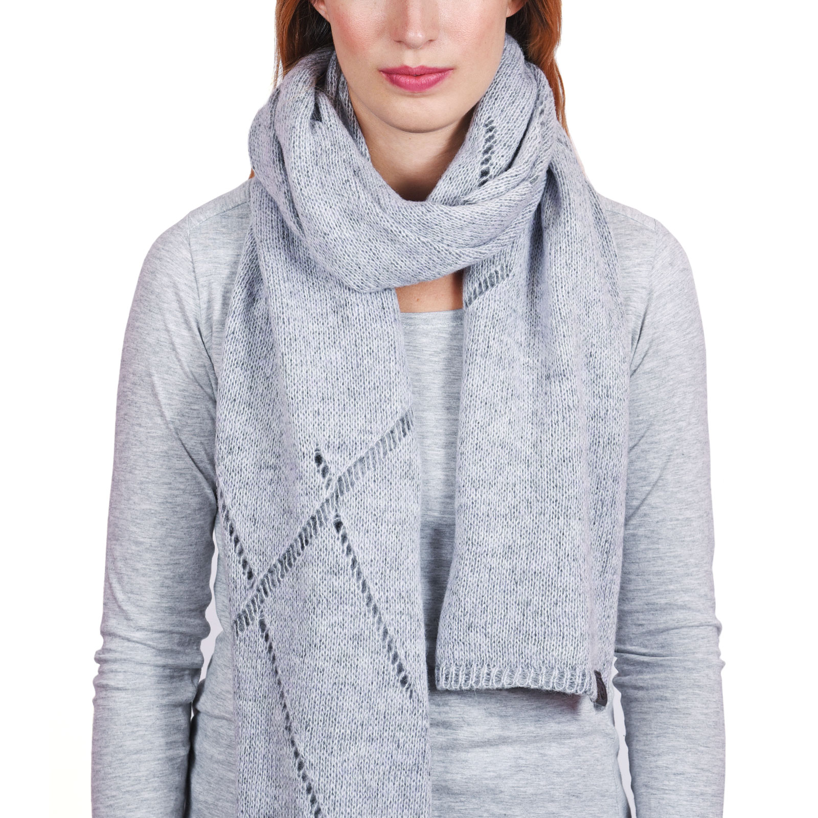 AT-04562-VF16-P-echarpe-femme-tendance-grise-souris