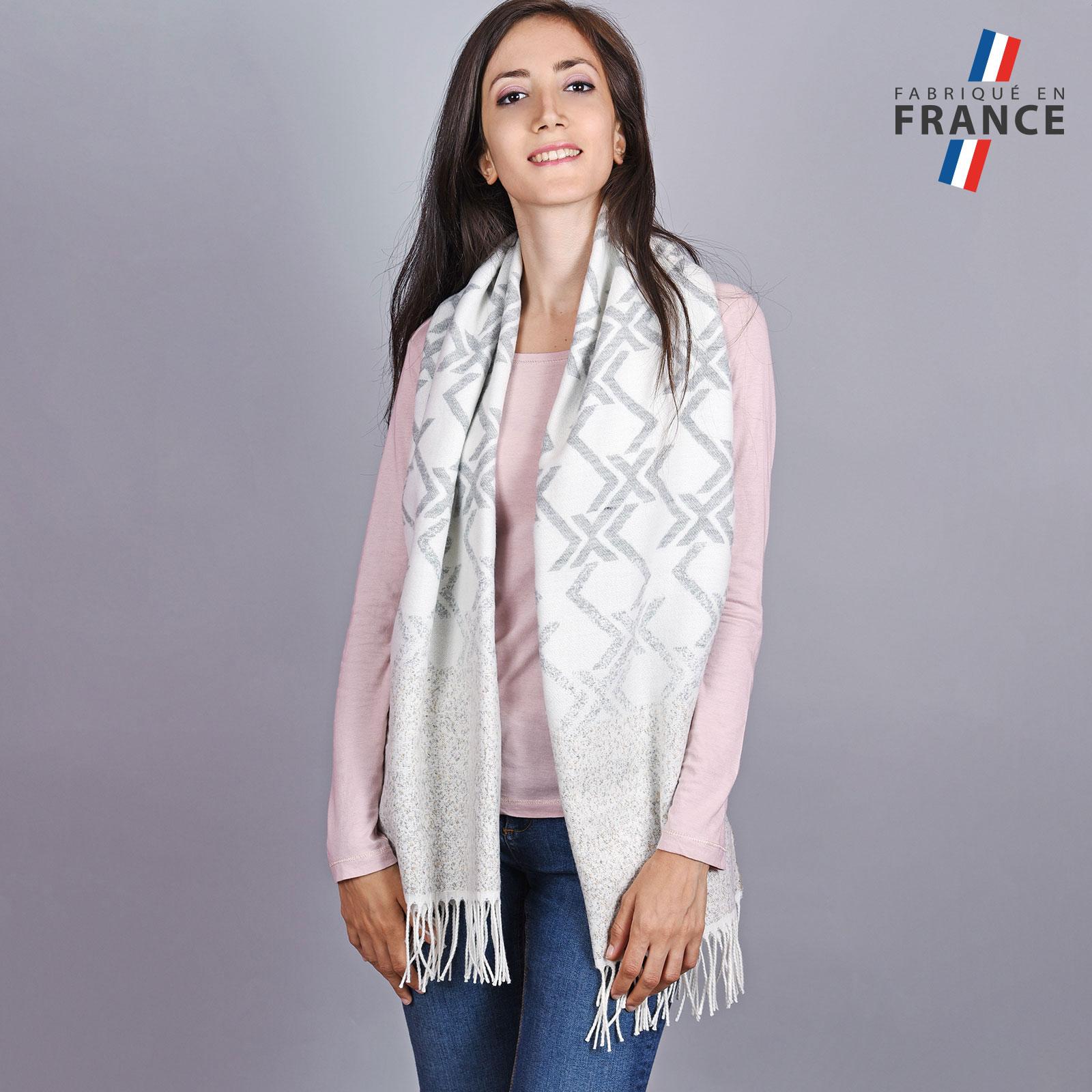AT-04522-VF16-LB_FR-2-chale-femme-hiver-blanc