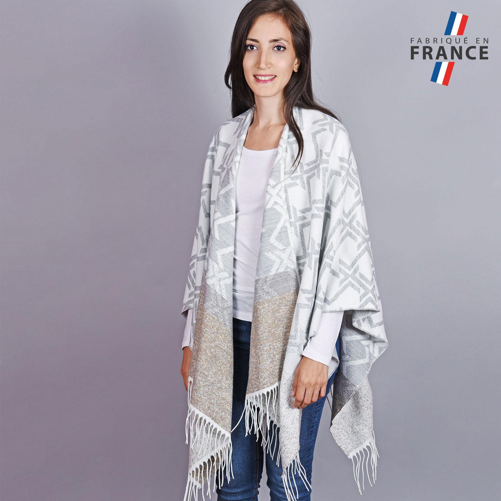 AT-04503-VF16-1-LB_FR-poncho-hiver-gris-motifs-geometriques