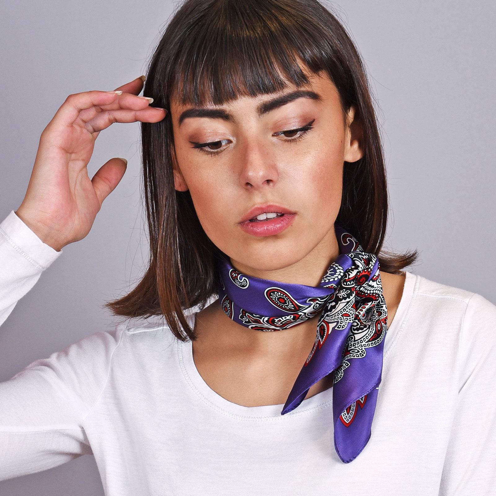 AT-04612-VF16-carre-de-soie-violet-indigo-cachemire