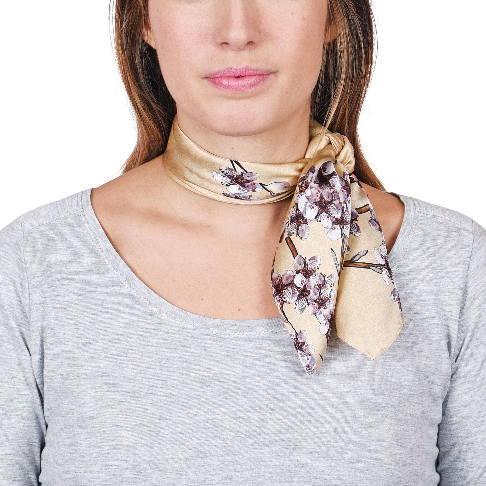 AT-04645-VF16-foulard-soie-fleurs-beige