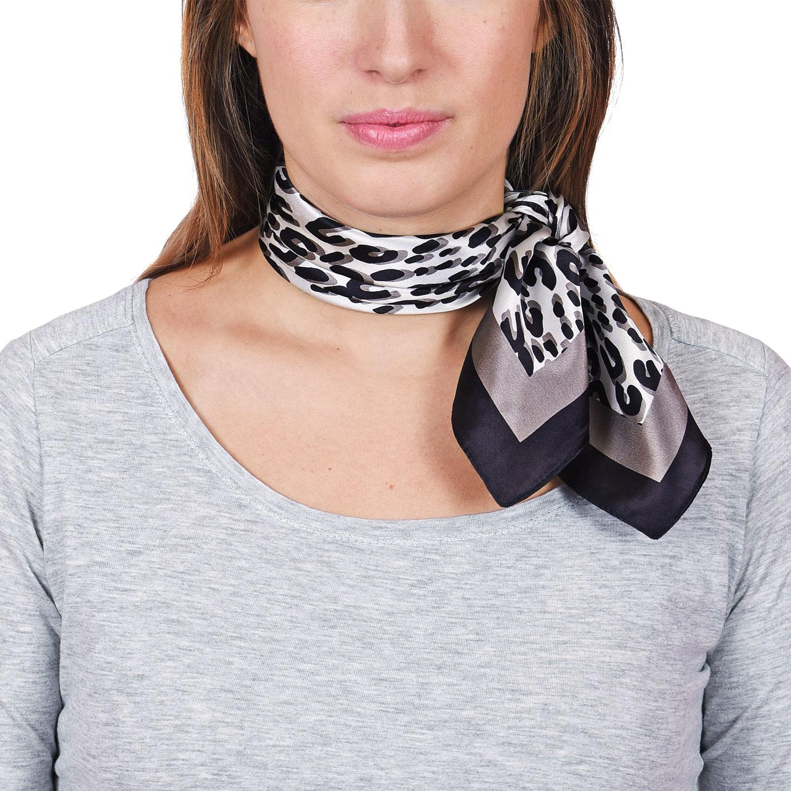 AT-04649-VF16-foulard-carre-soie-noir-leopard