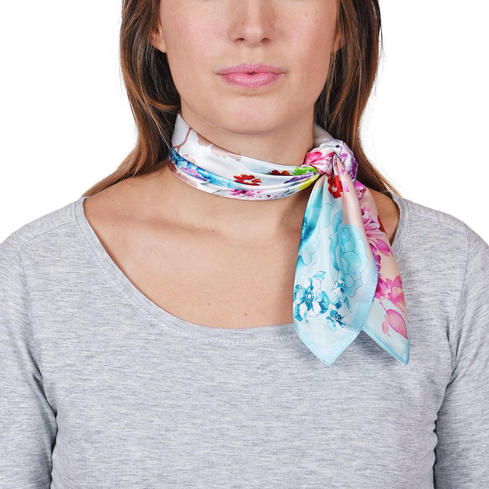 AT-04655-VF16-carre-soie-rose-bleu-floral