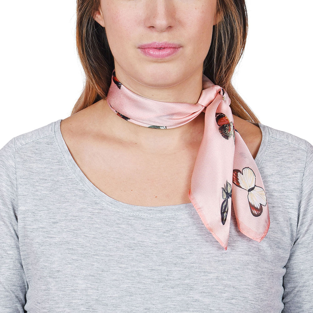 AT-04653-VF10-P-carre-soie-papillons-sur-rose