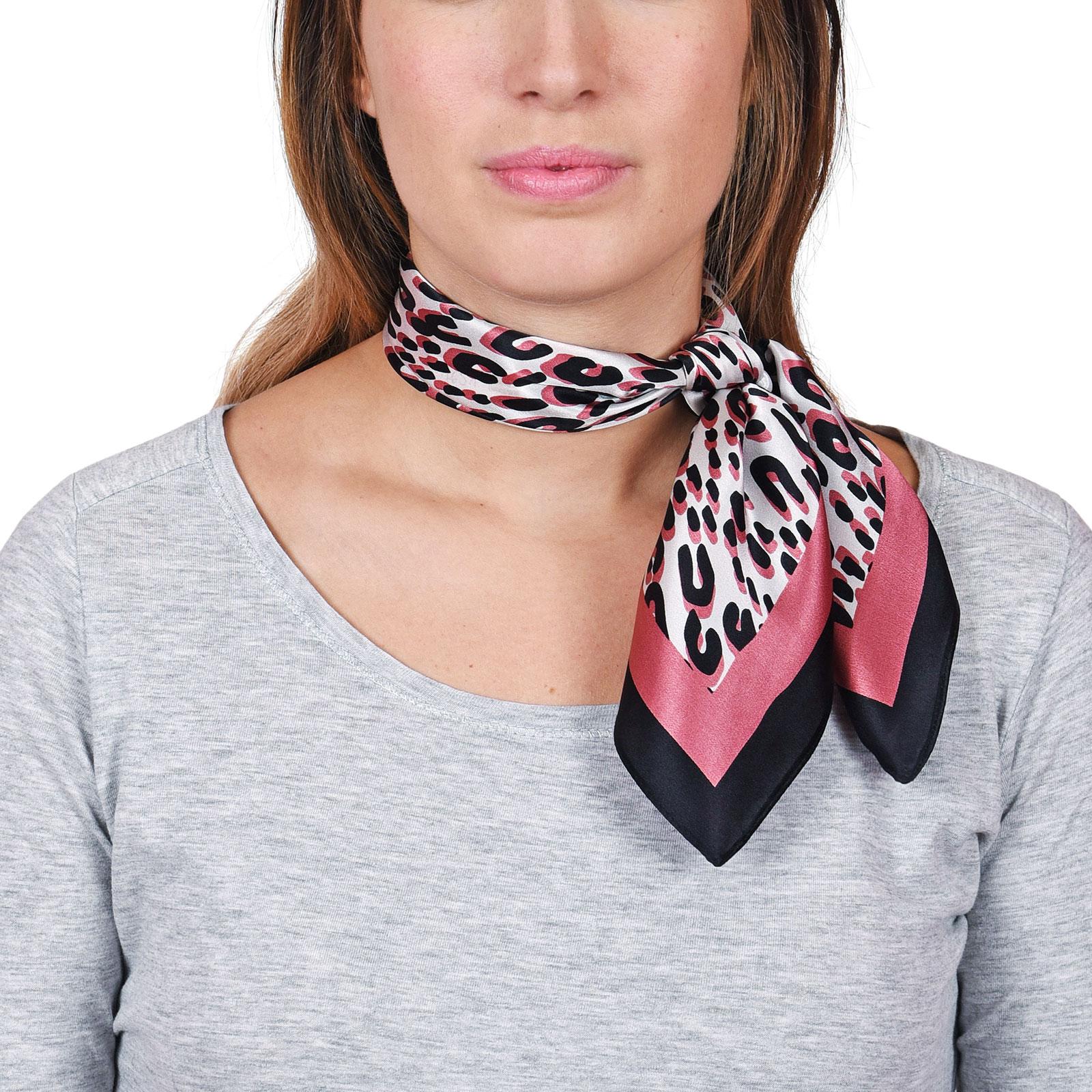 AT-04651-VF16-carre-soie-femme-rose-leopard