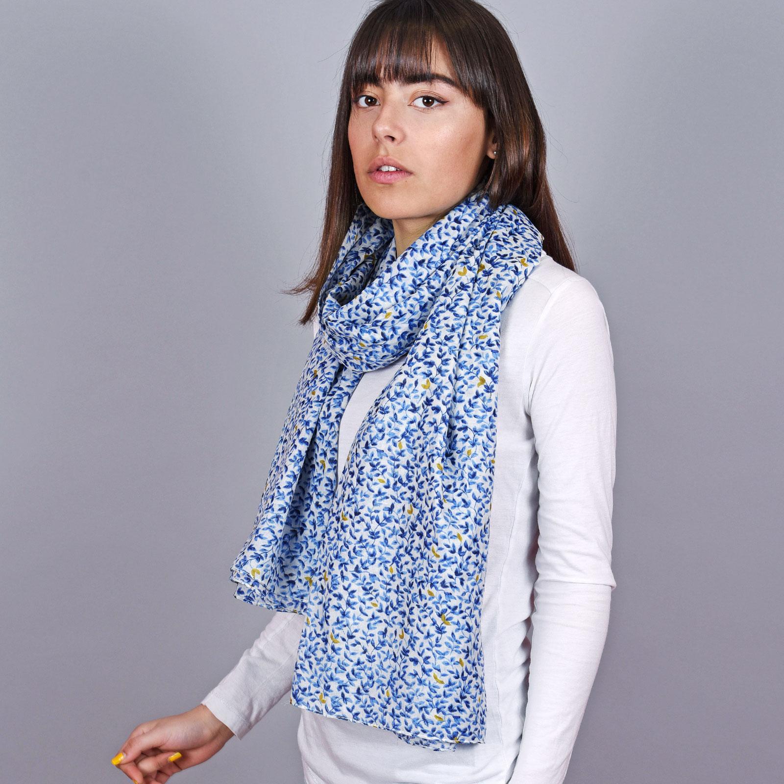 AT-04672-VF16-1-cheche-femme-bleu-fines-feuilles