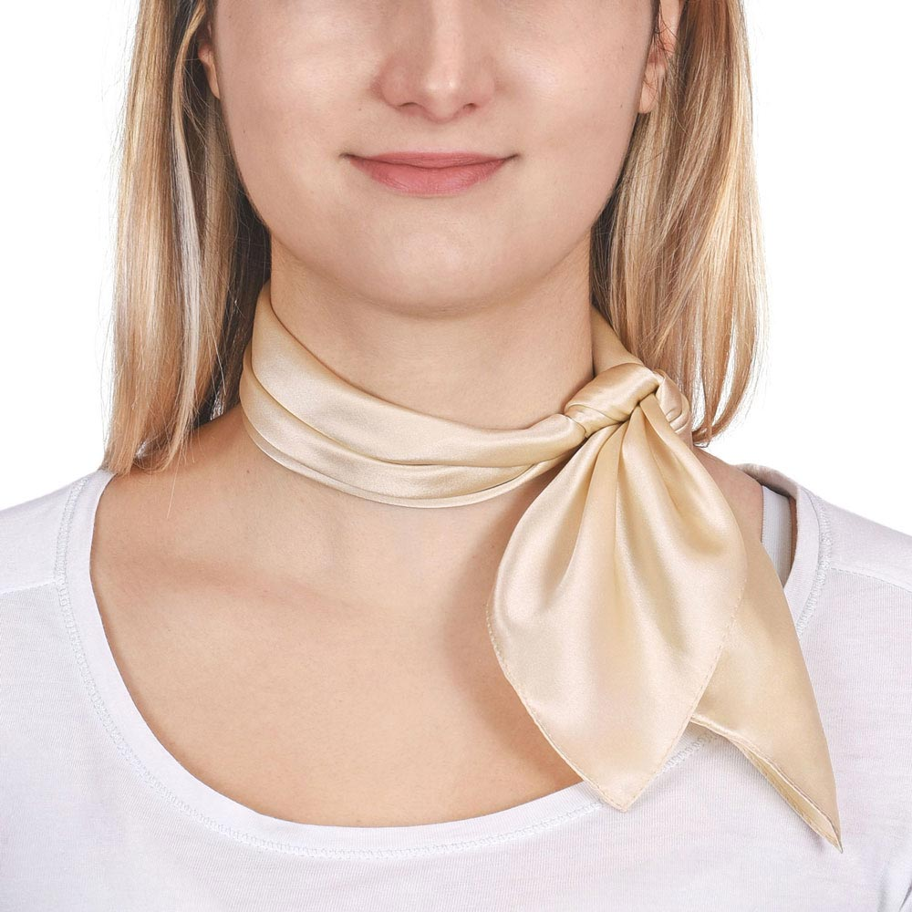 AT-01613-VF10-P-carre-de-soie-blanc-creme-piccolo