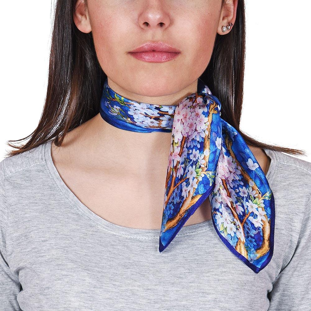 AT-04699-VF10-P-foulard-carre-soie-floral-marine