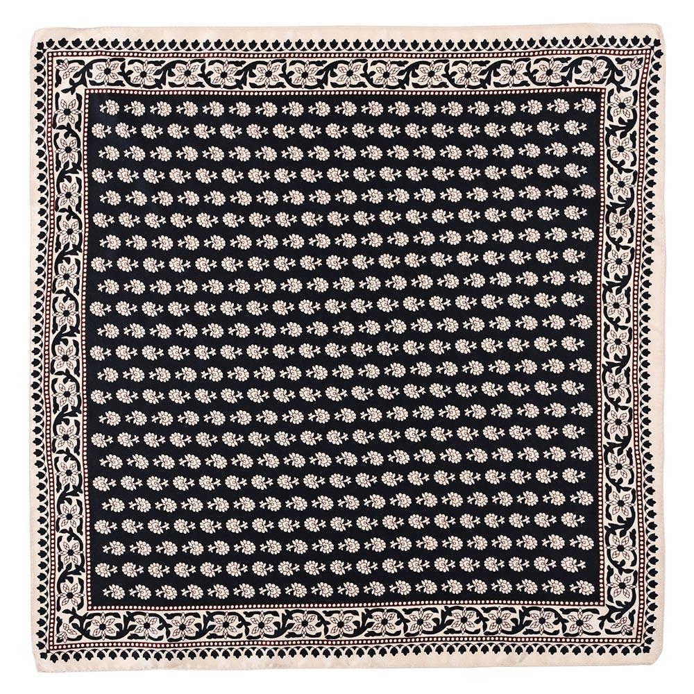 AT-04690-A10-petit-carre-soie-noir