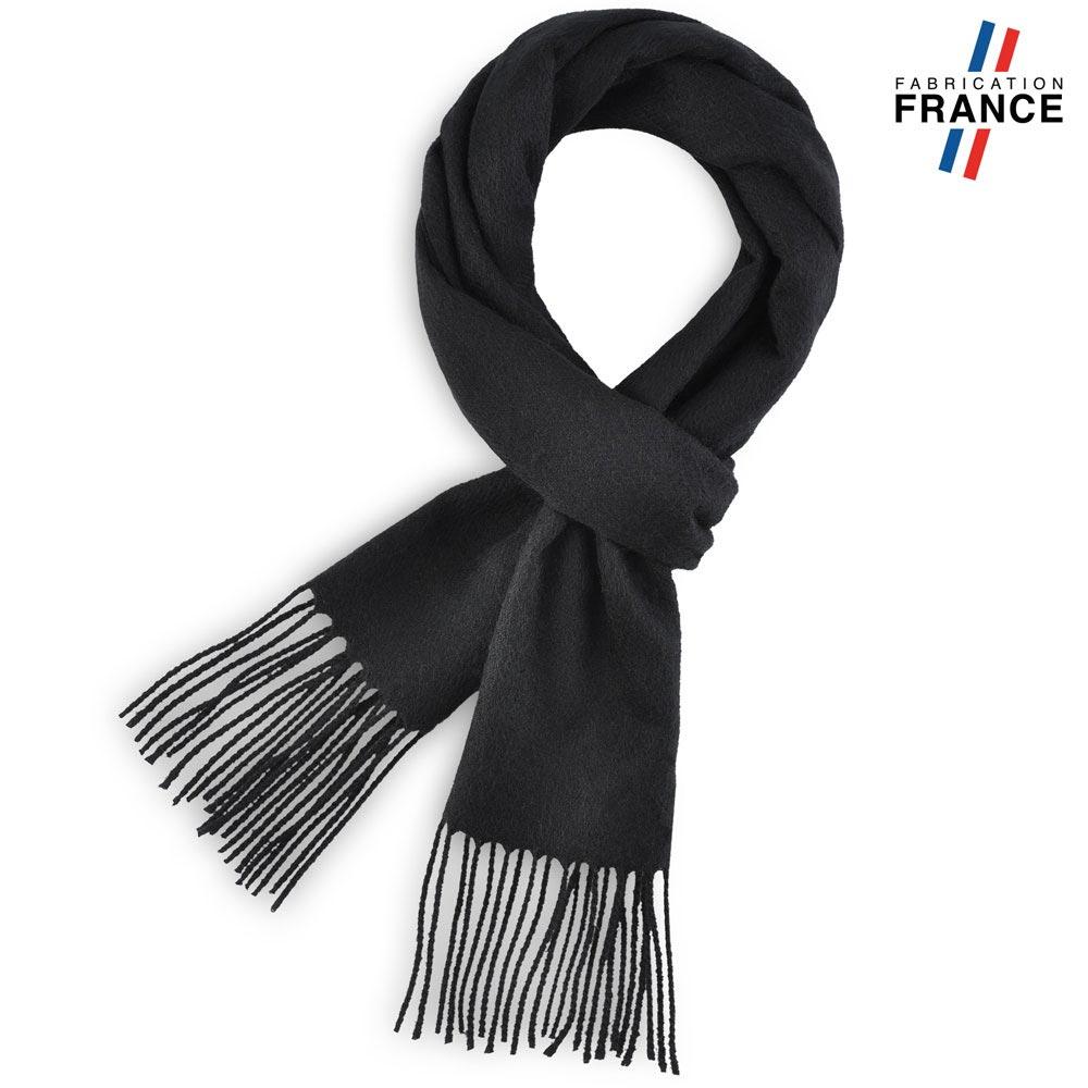 AT-03231-F10-LB_FR-echarpe-a-franges-noire-fabrication-francaise