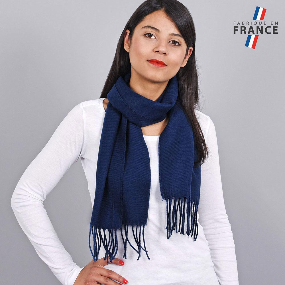 AT-03233-VF10-LB_FR-echarpe-a-franges-bleue-fabrication-francaise