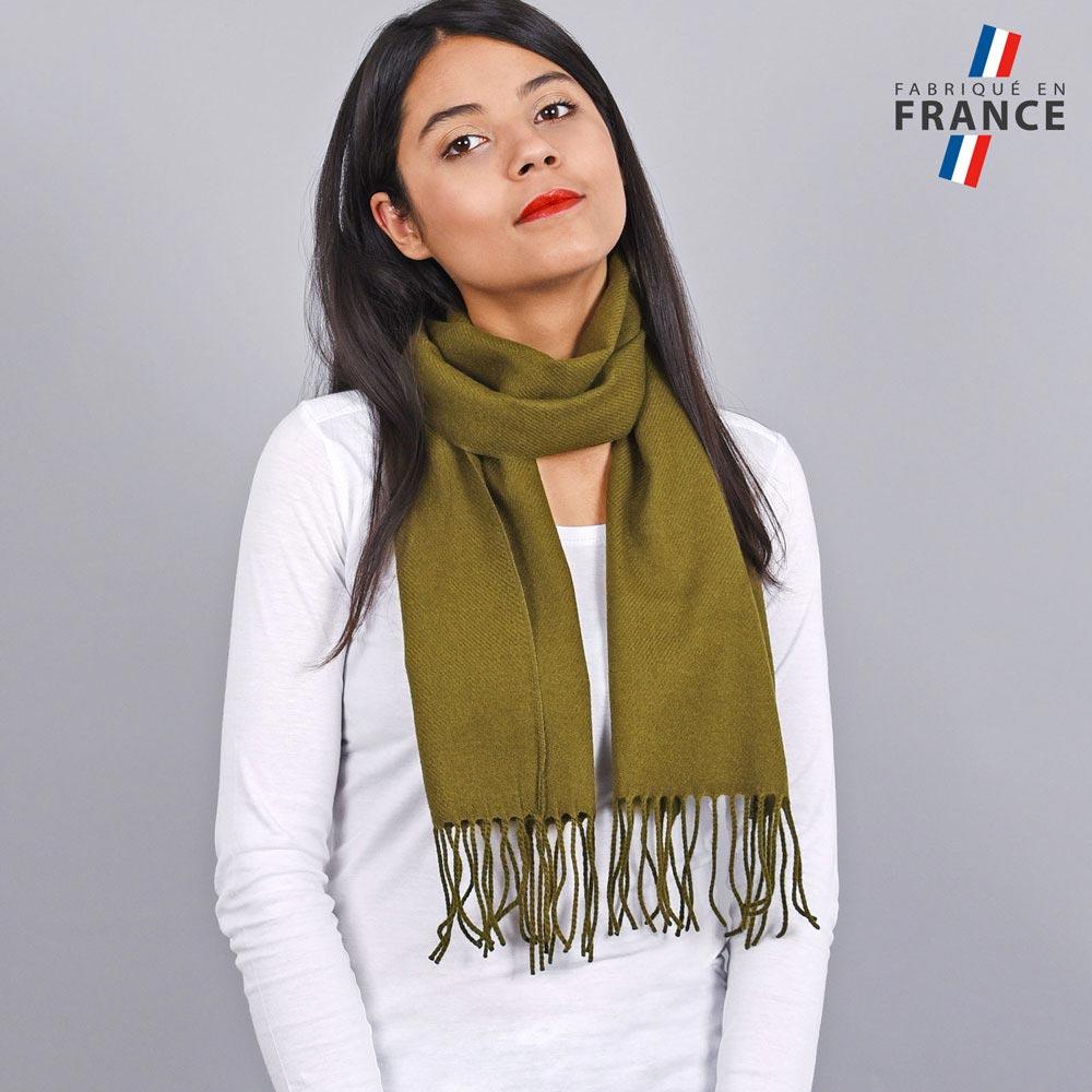 AT-03236-VF10-LB_FR-echarpe-franges-kaki-femme-fabrication-francaise