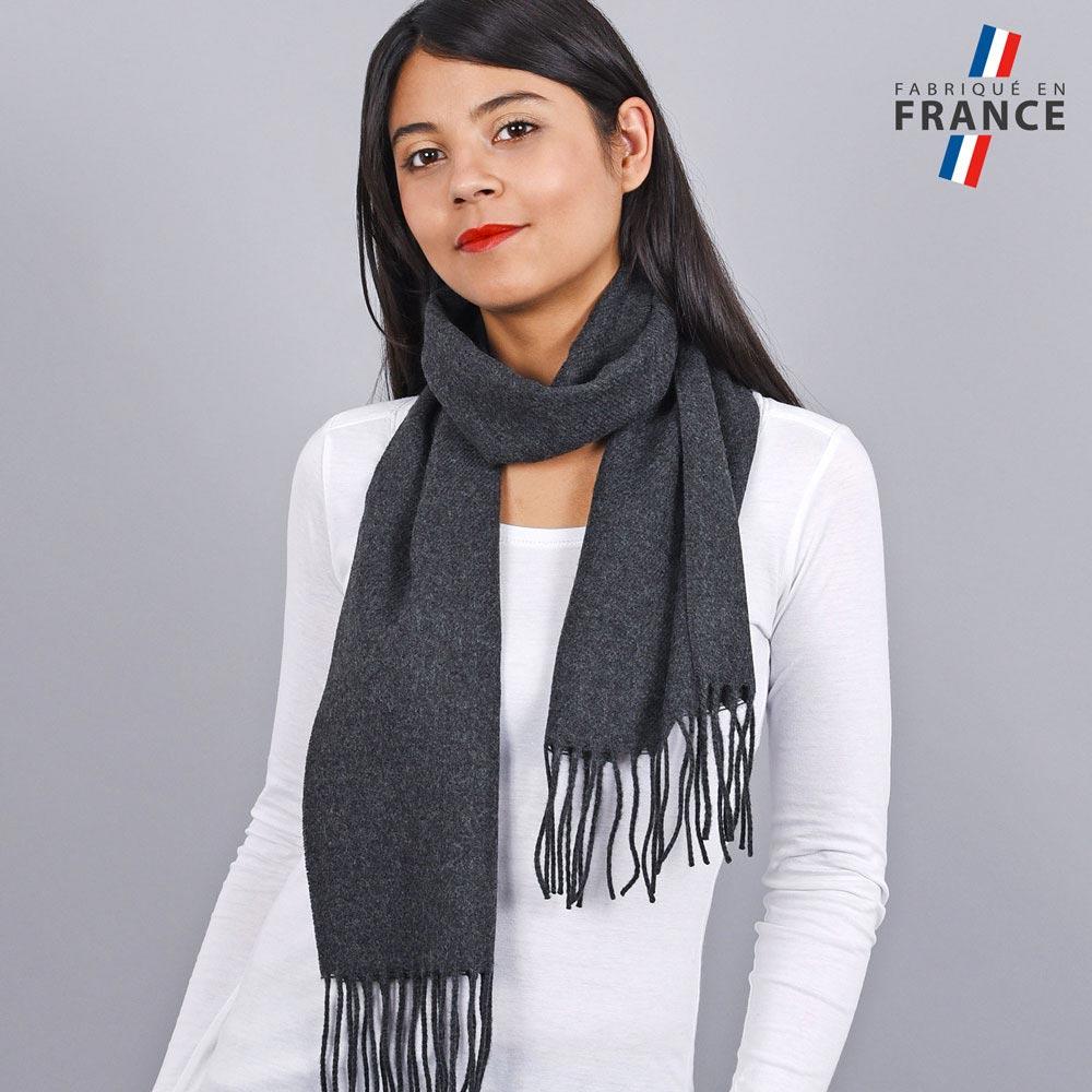 AT-03245-VF10-LB_FR-echarpe-franges-noir-femme-fabrication-francaise