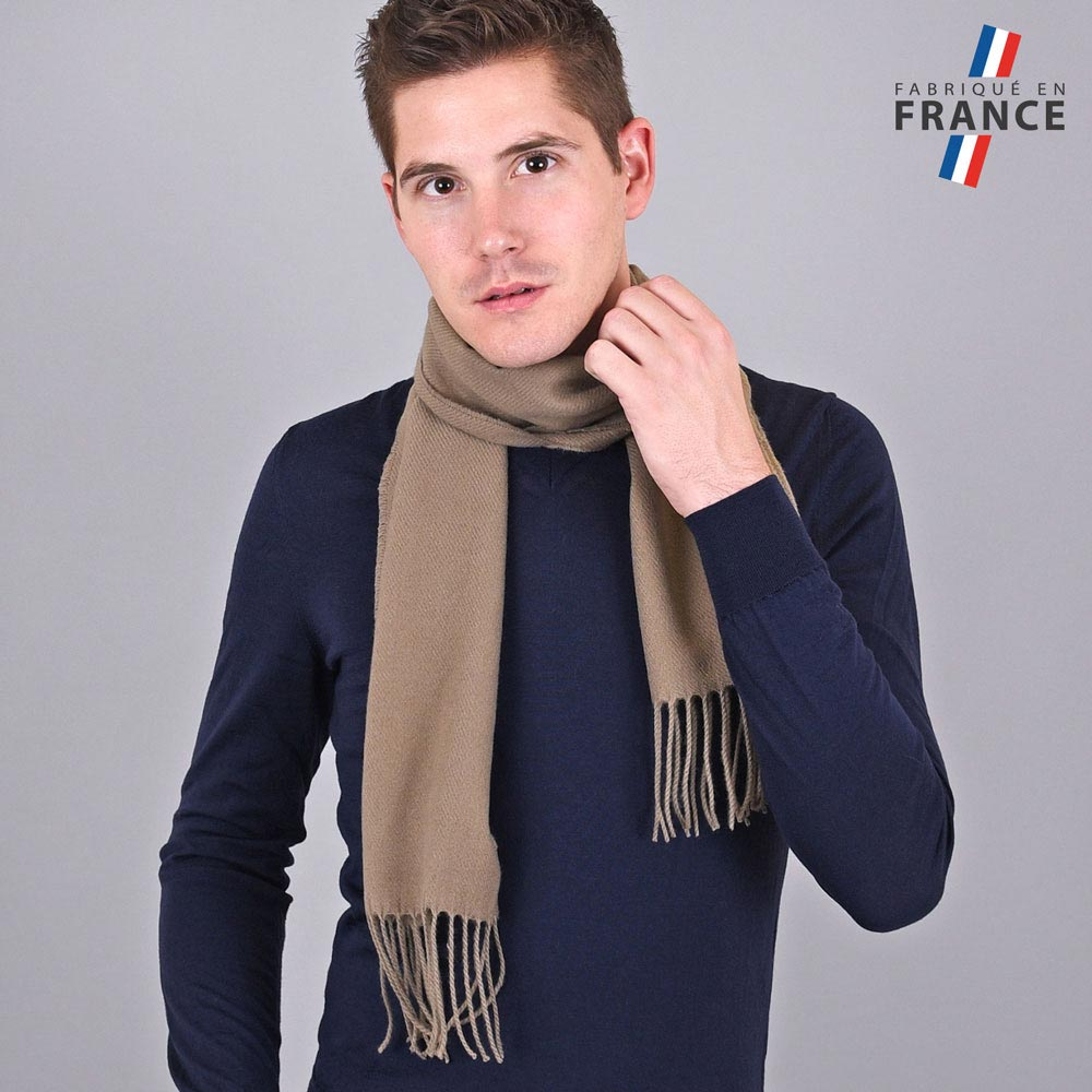AT-03246-VH10-LB_FR-echarpe-homme-a-franges-beige-fabrication-francaise
