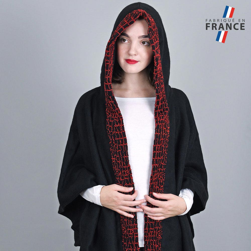 AT-03247-VF10-2-LB_FR-poncho-a-capuche-perles-rouge-fabrication-francaise