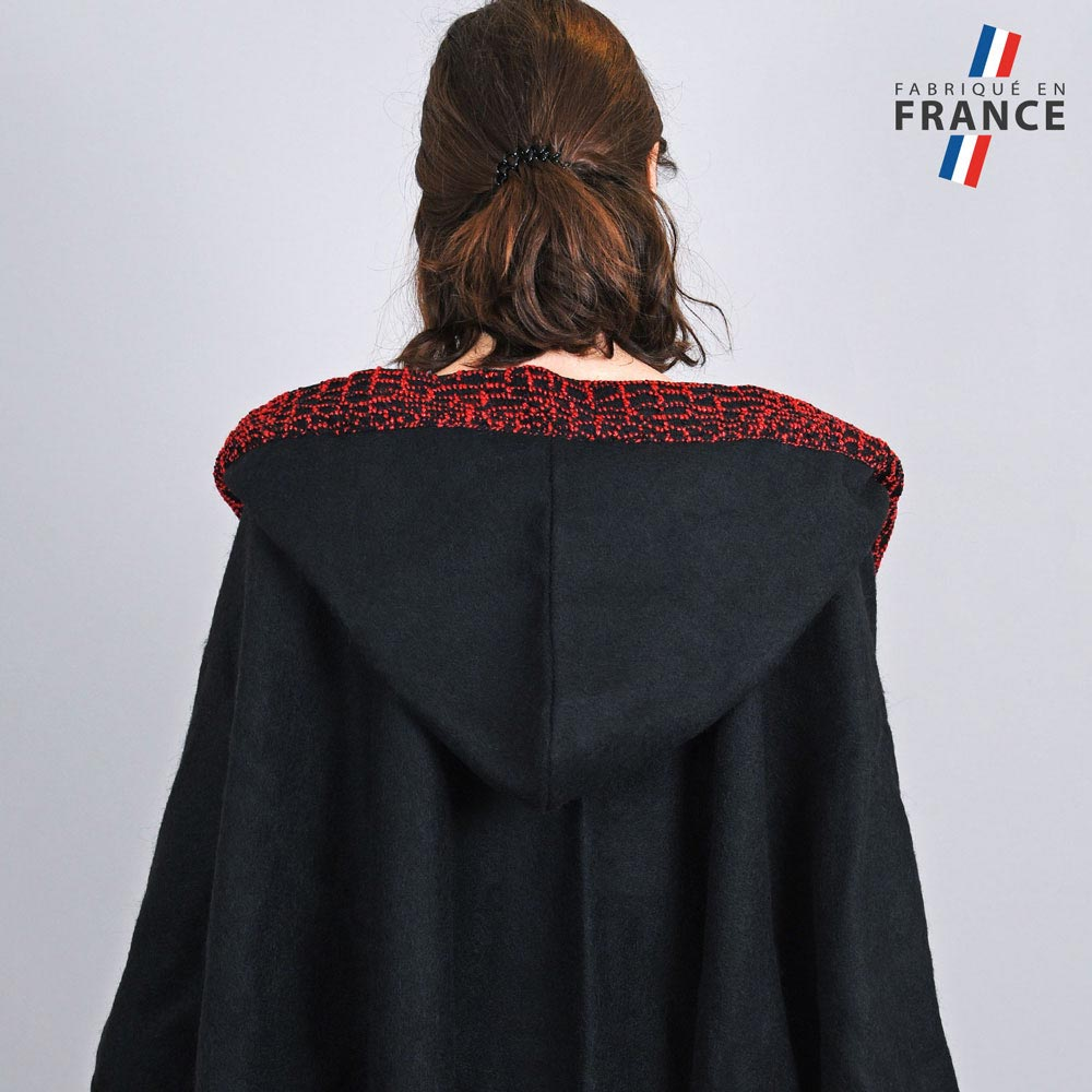 AT-03247-VF10-3-LB_FR-poncho-a-capuche-perles-rouge-fabrication-francaise