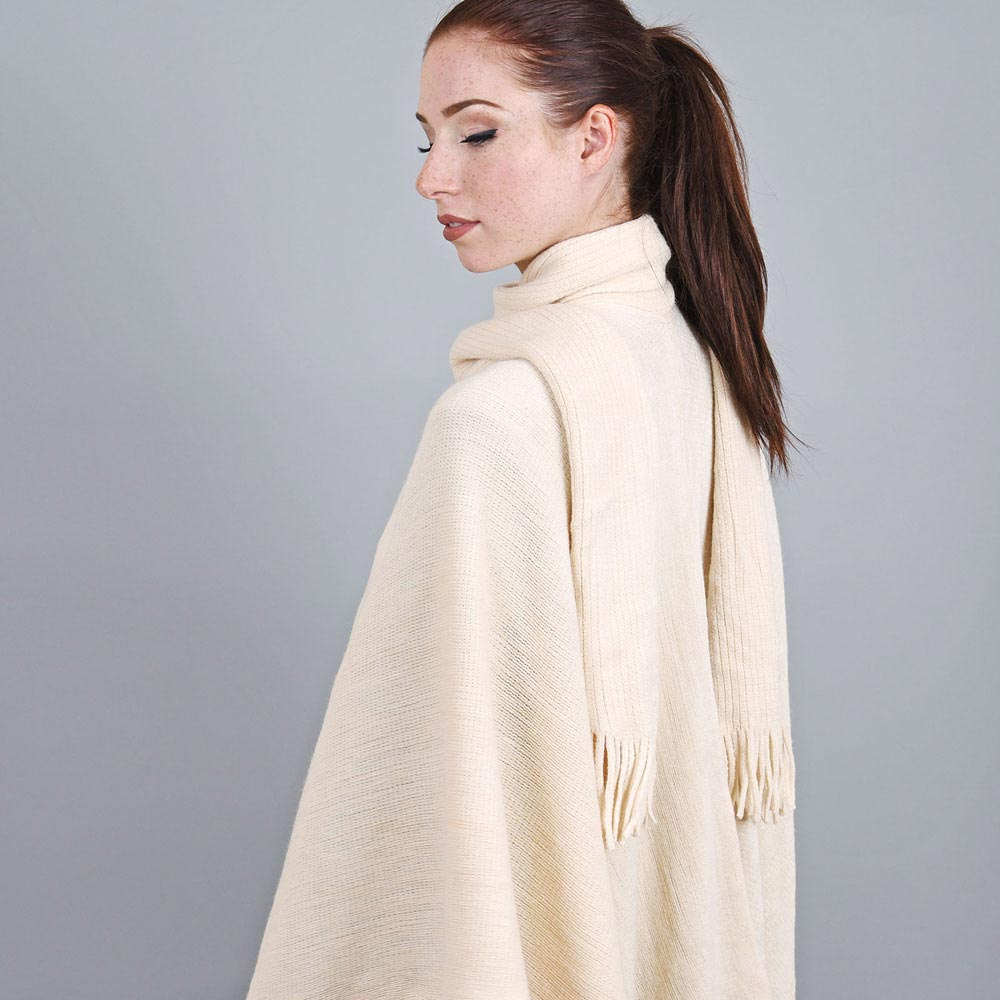 AT-03328-VF10-2-poncho-echarpe-creme