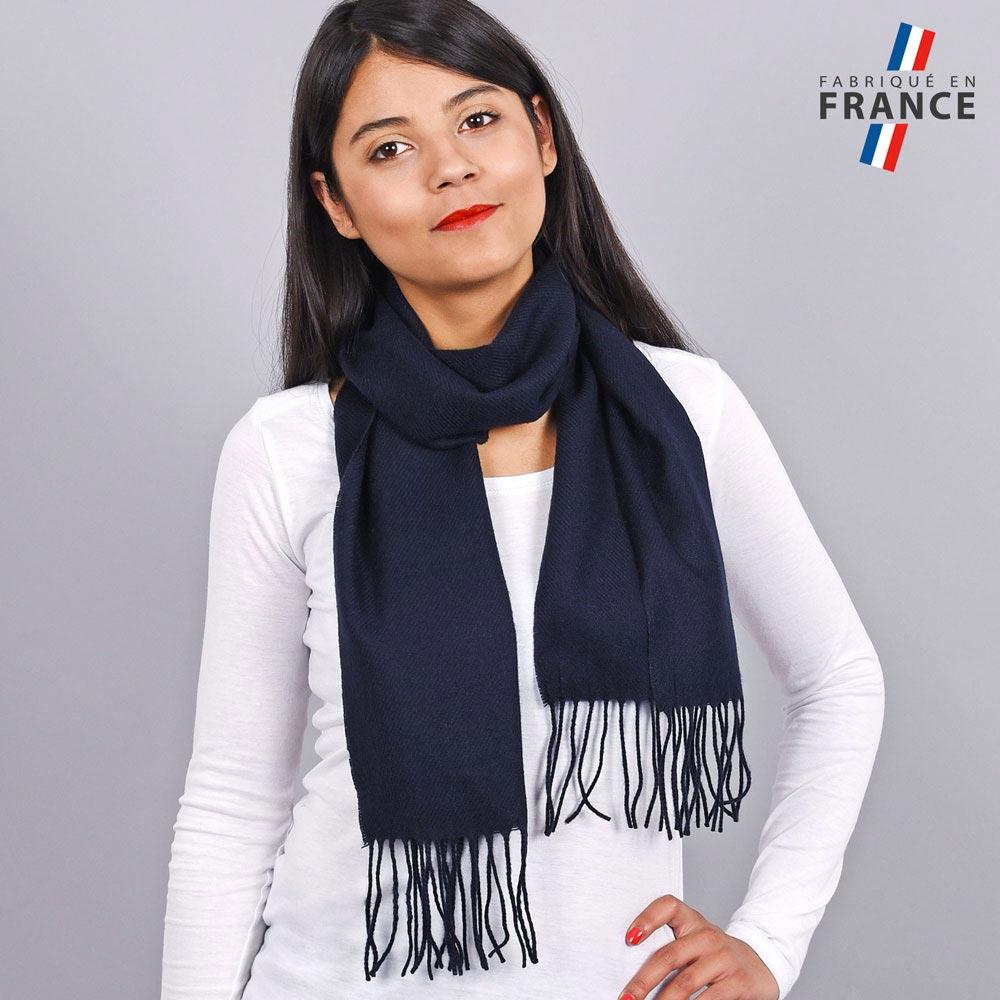 AT-03464-V10-LB_FR-echarpe-franges-bleu-marine-femme-fabrication-francaise